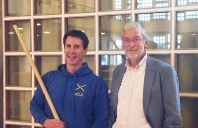 Gerald Hüther & das Institut für Stabfechten