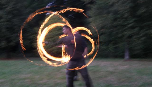 Feuerstab bauen und drehen